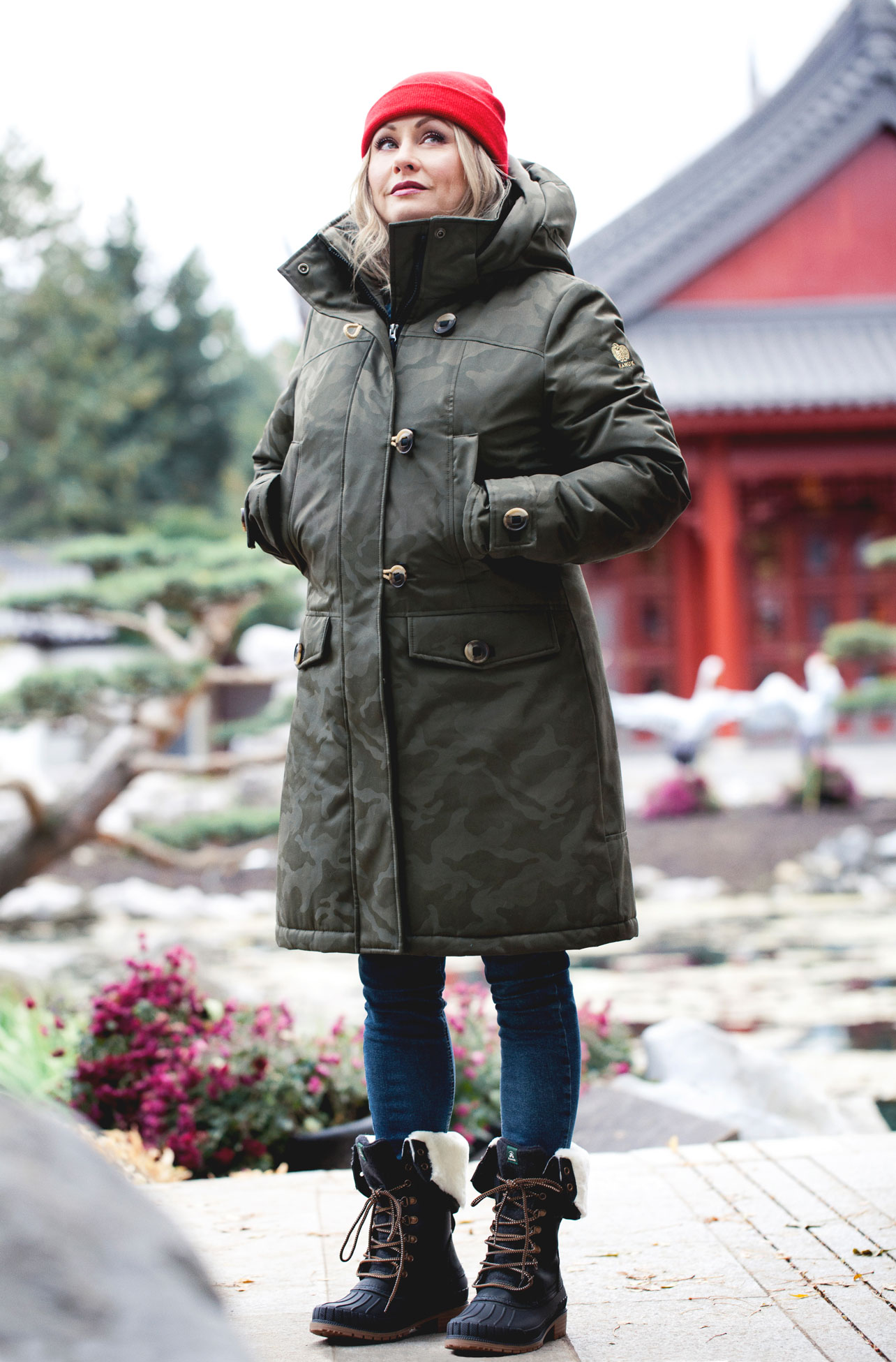 Fashion and lifestyle photographer in Montreal. Photo of the new Kanuk coat and kamik winter boots collection.