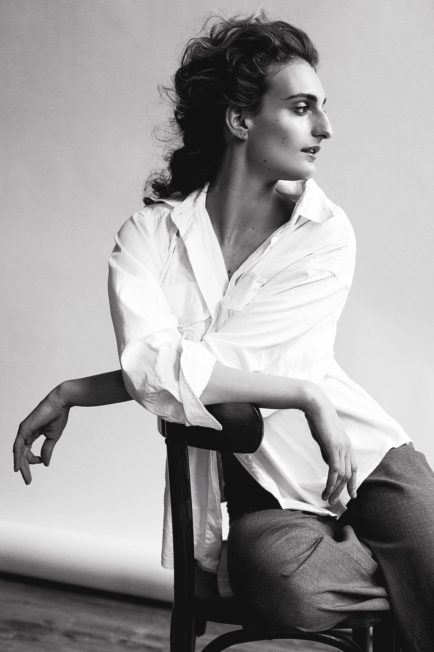 Studio photographie Montréal, séance photo mode editorial creative avec athlète olympique Gabriella papadakis.