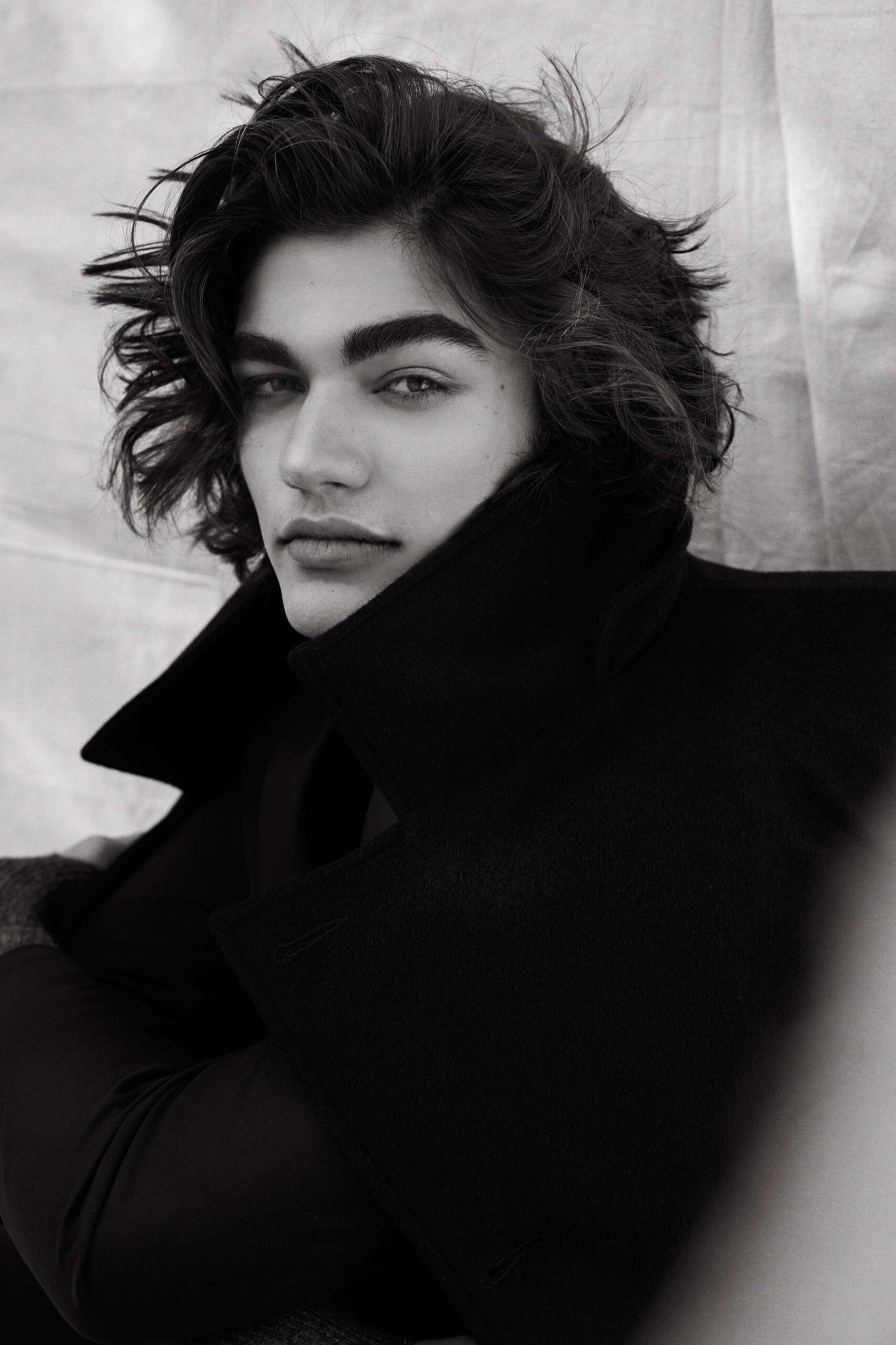 Dariane Sanche photographe portrait professionnel d'un jeune homme d'affaire en veston.