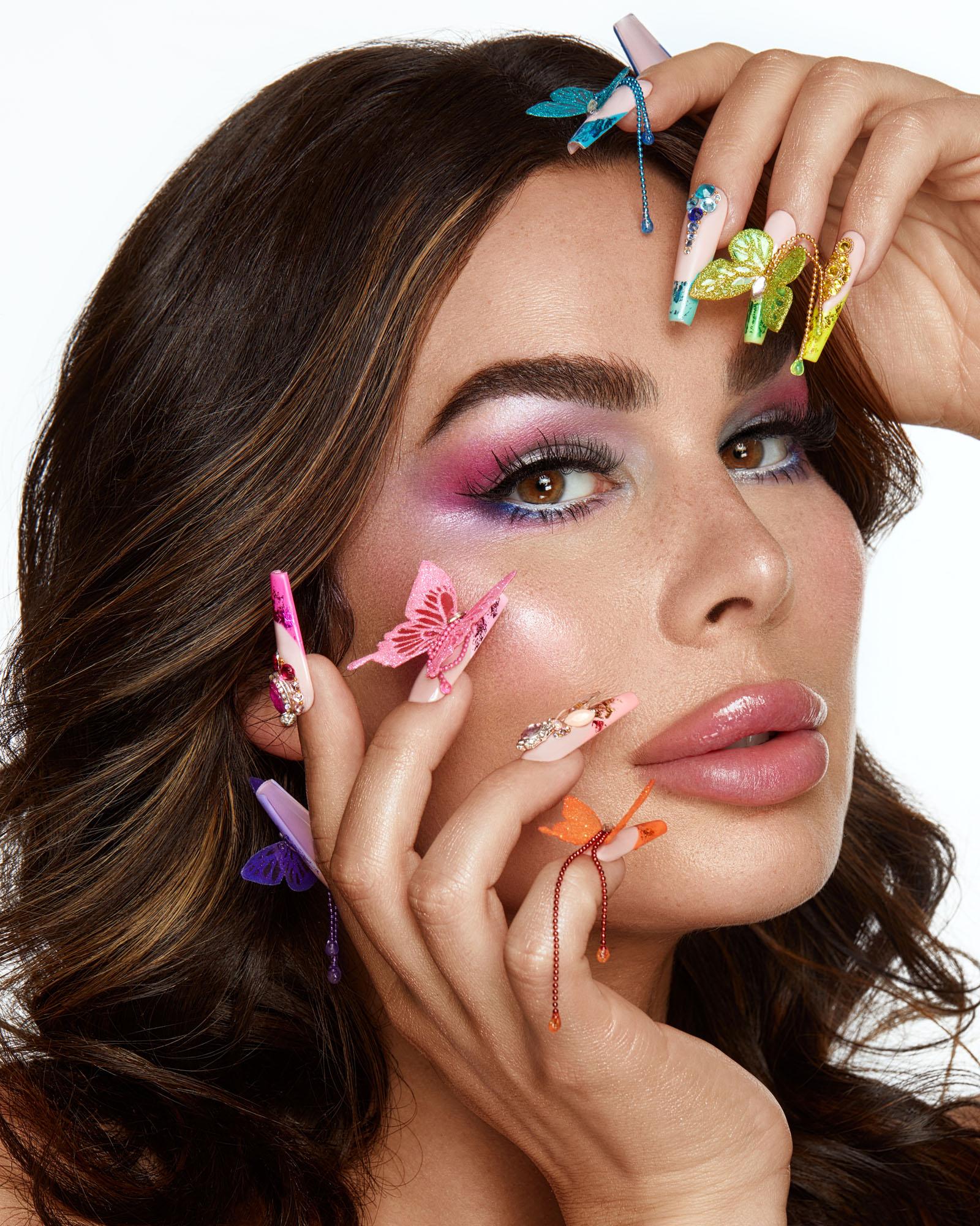 Photo portrait beauté nail creation et Gabrielle Marion photographié par Dariane Sanche